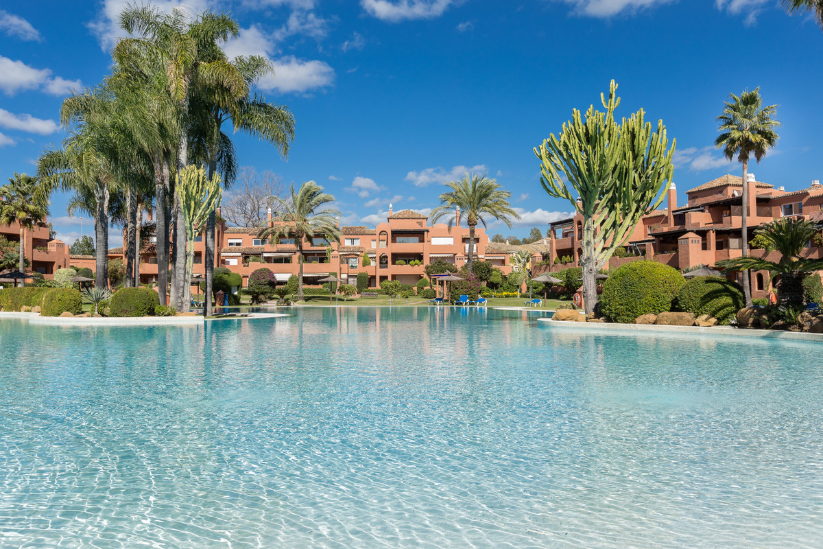 Fantastic 3-bedroom penthouse in Alhambra del Golf, just 5 minutes from Puerto Banus and walking dis,Spain