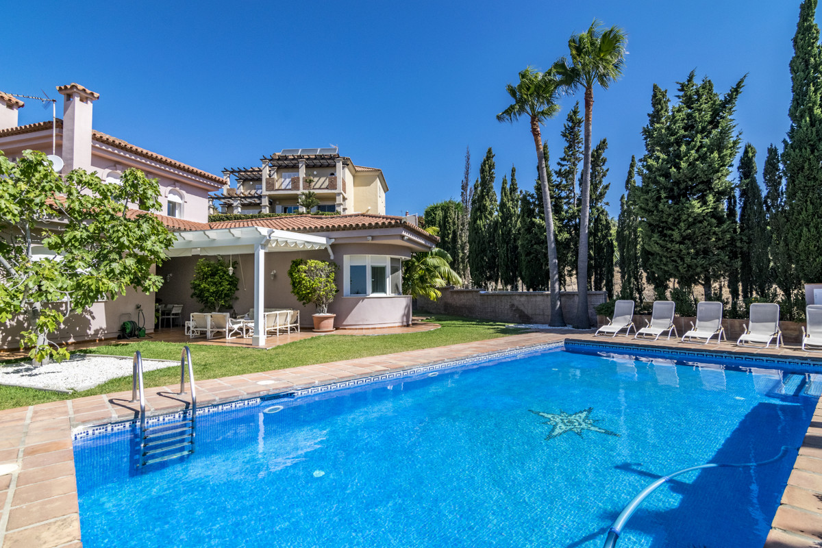 Magnificent villa next to the Link golf course that runs along the Alcaidesa beach, with stunning vi,Spain