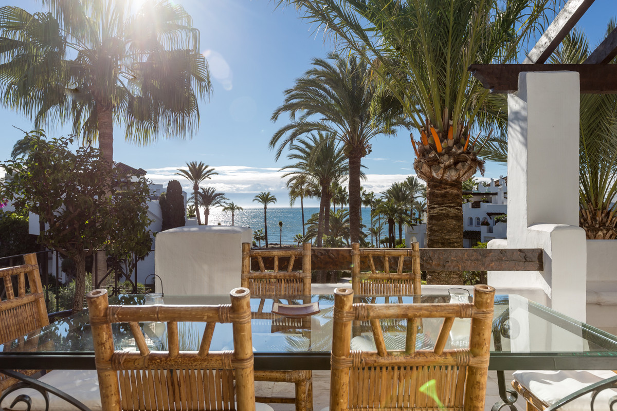FRONTLINE BEACH PENTHOUSE APARTMENT IN ALCAZABA BEACH  Beautiful 3 bedrooms penthouse apartment for ,Spain