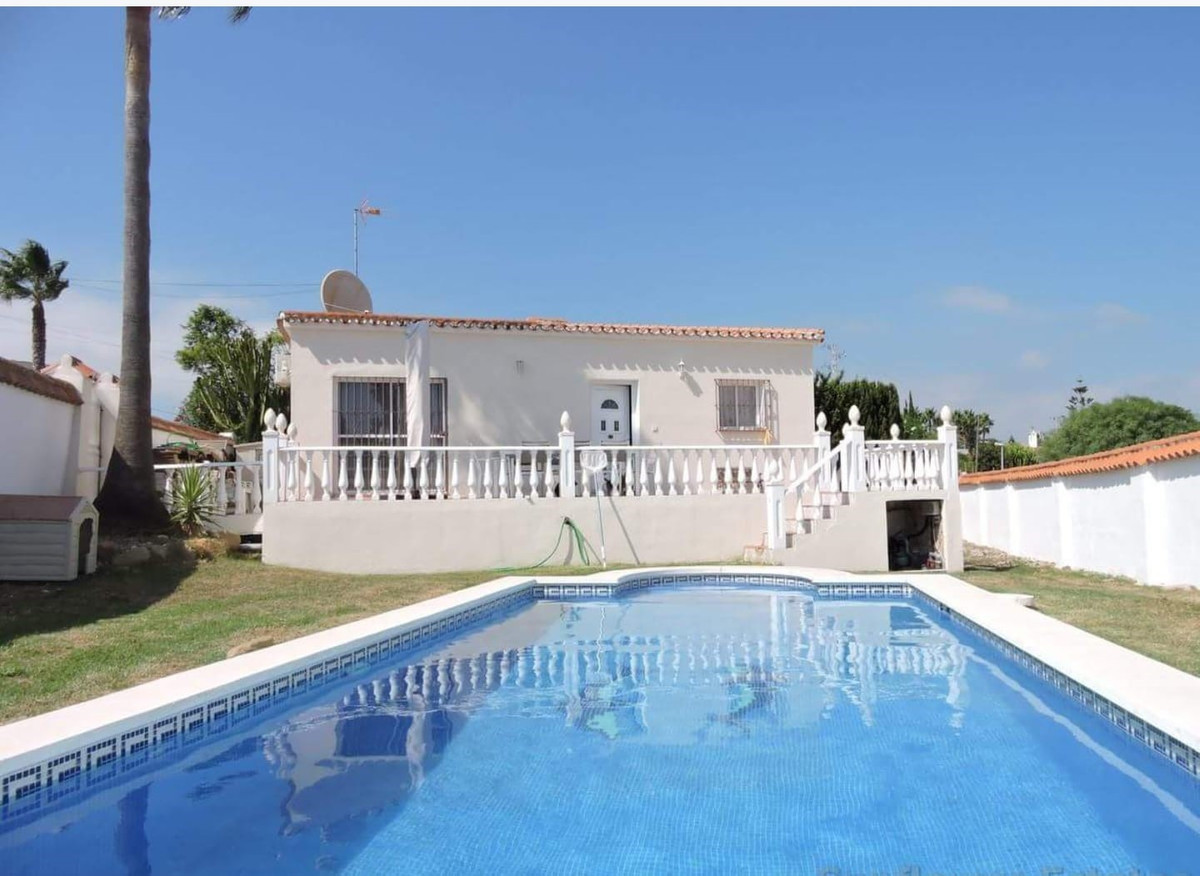 VILLA IN ONE FLOOR!!! Beautiful independent villa on a plot of 600m2 with two double bedrooms, with ,Spain