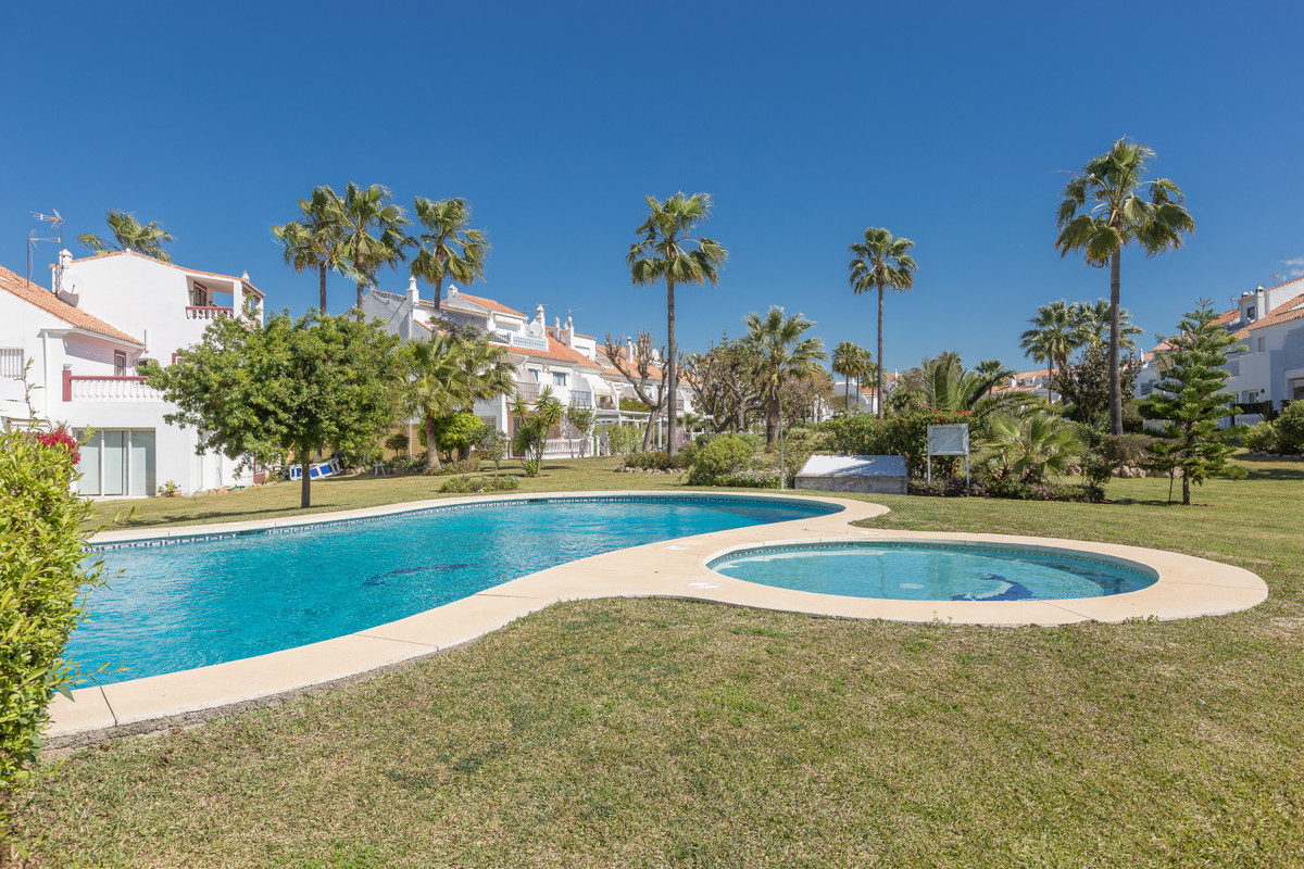 Nice 4 bedroom Townhouse in Monte Biarritz, minutes walk from supermarkets, shops and restaurants.  ,Spain
