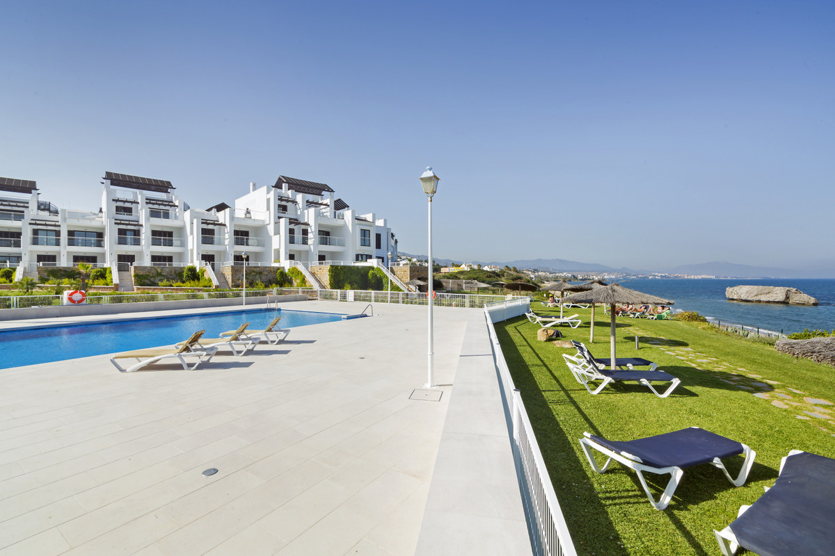 Ground Floor Apartment for sale in Casares Playa R3379978