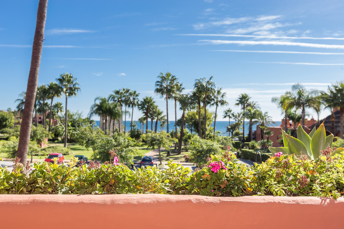 Luxury beachfront 3 bedroom duplex penthouse in Cabo Bermejo - Estepona. This is a gated community w,Spain