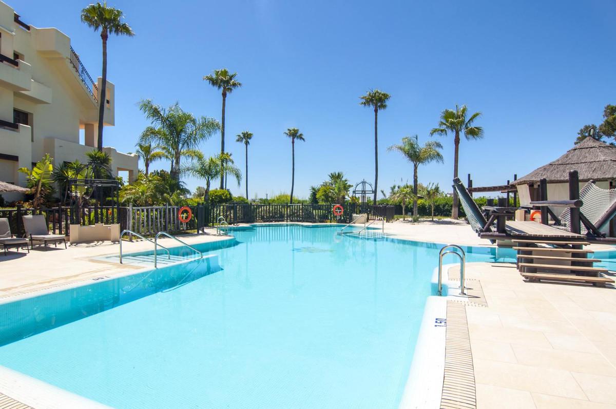 Marbella Banus Apartamento en Venta en New Golden Mile – R2634899