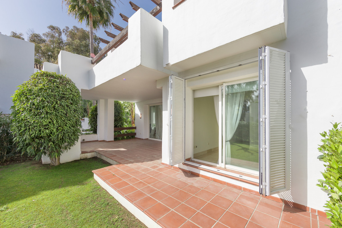 Beautiful 2 bedrooms ground floor apartment  IN A CORNER for sale in Alcazaba Beach, Estepona.  This, Spain