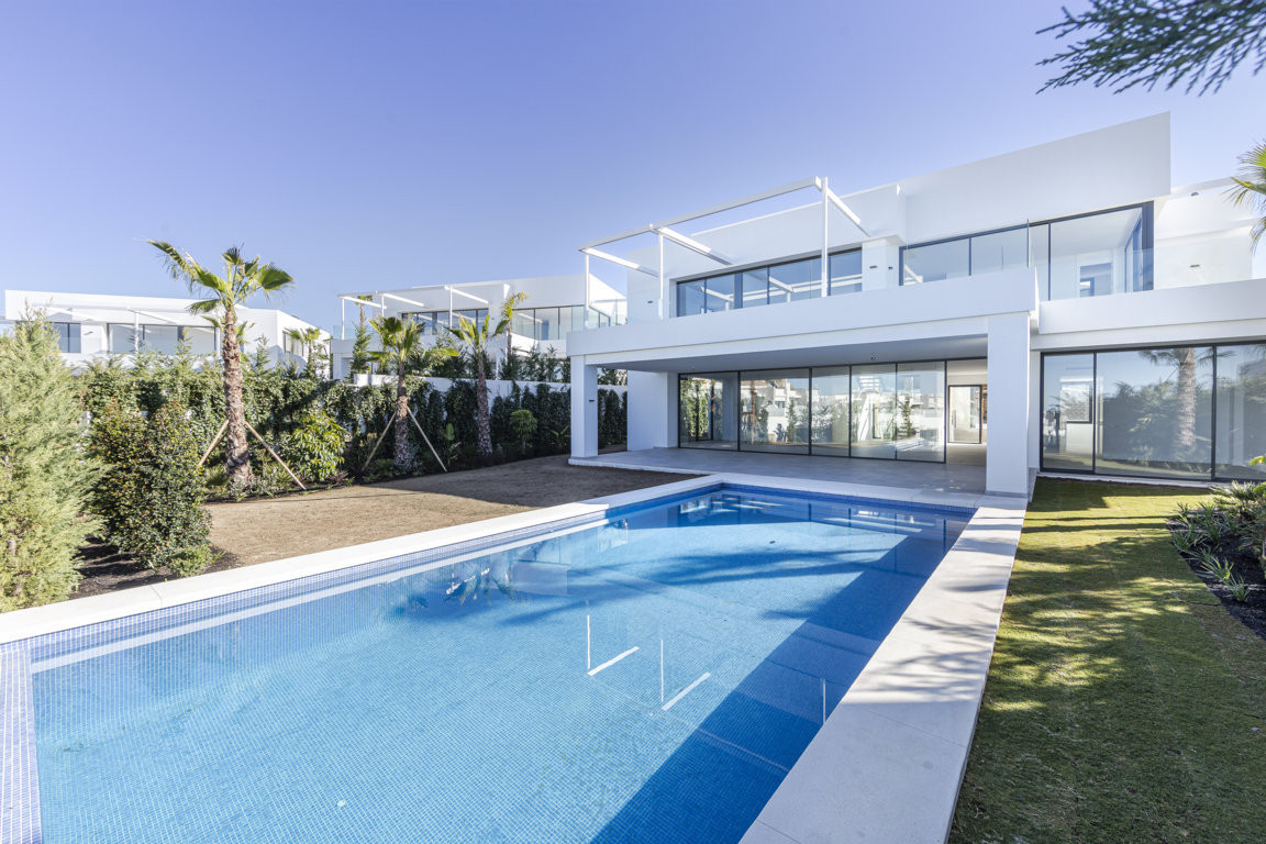 New Development: Prices from €2,030,000 to €2,200,000. [Beds: 5 - 5] [,Spain