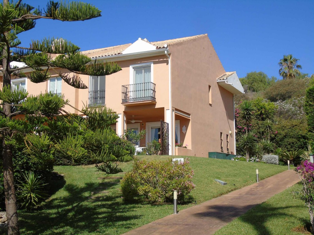 Superb 3 bedrooms all ensuite, semi detached corner townhouse with a large spacious terrace overlook,Spain