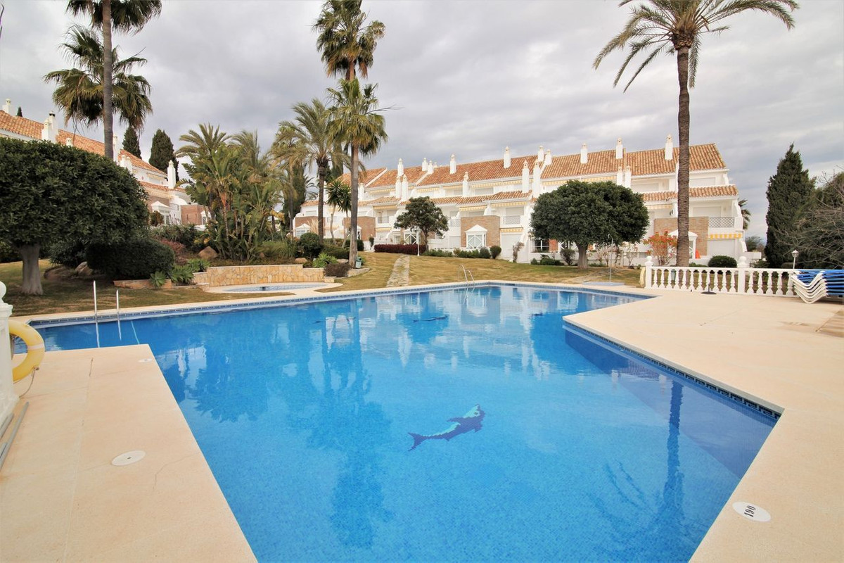 Stunning 4 bedroom newly refurbished townhouse located within a beautiful complex in a great locatio, Spain