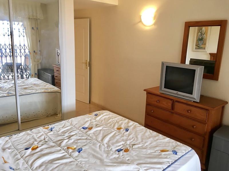 Apartamento Planta Media en venta, Calahonda – R3251266
