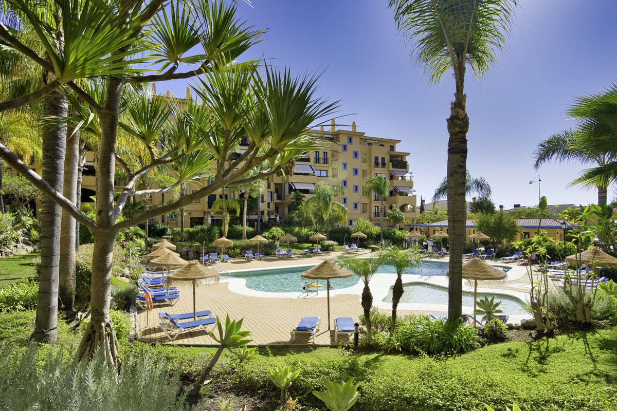 Afternoon glorious sunshine from this west facing Beachside apartment San Pedro - the most sought-af,Spain
