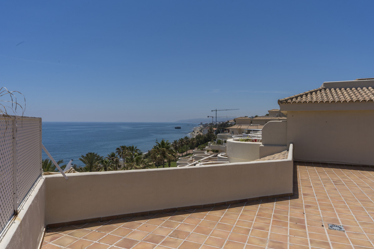 Bermuda Beach - This spacious 3 bed Duplex Penthouse apartment offers the most spectacular panoramic,Spain
