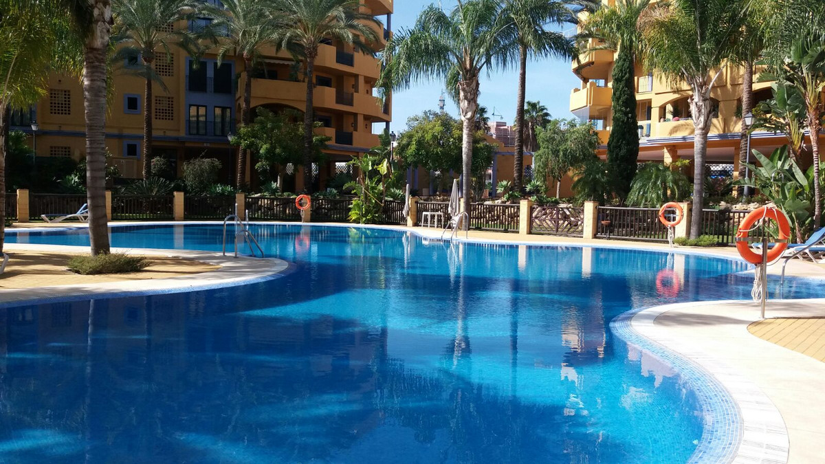 Situated in the popular area of San Pedro Beachside this well presented 2 bedroom ground floor prope,Spain
