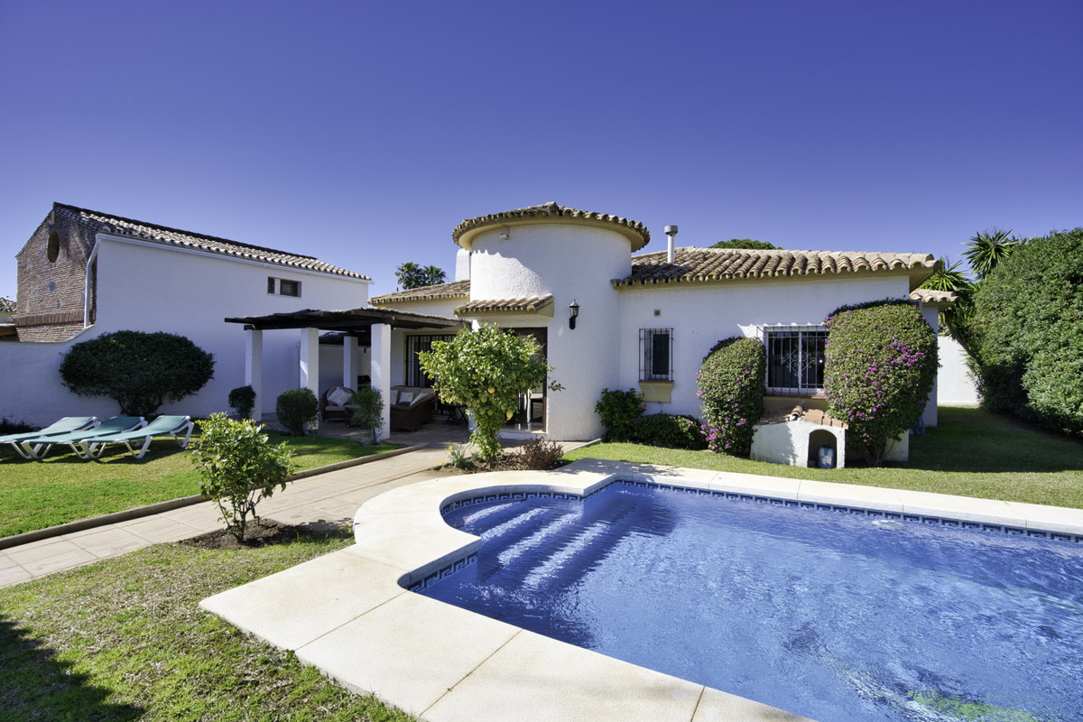 Detached Villa for sale in San Pedro de Alcántara R3541114