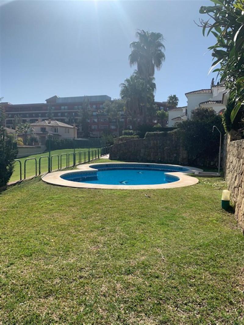 Pareada en venta en Guadalmina Alta – R3029606