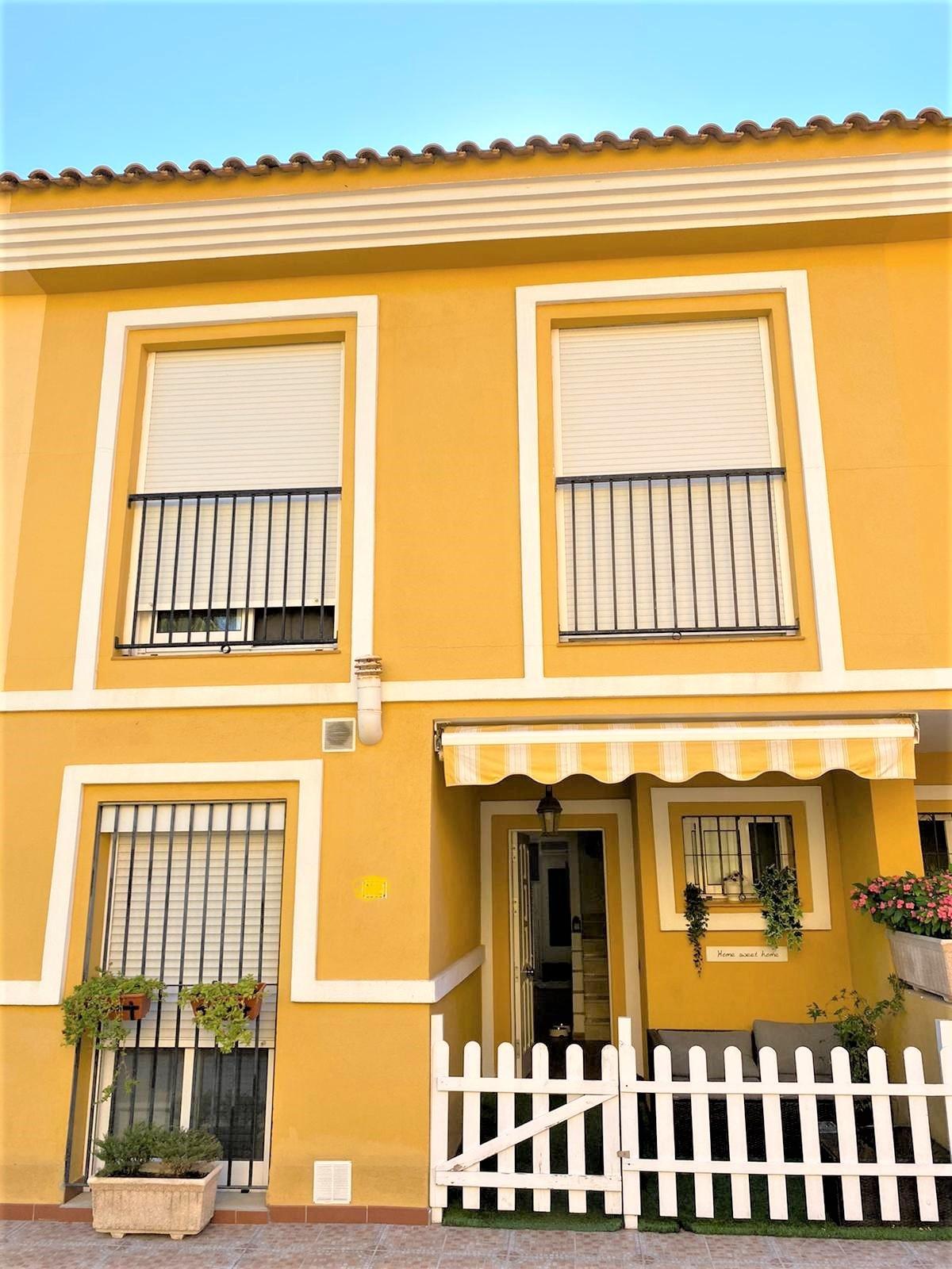 Maison Jumelée  Mitoyenne en vente   à Las Lagunas