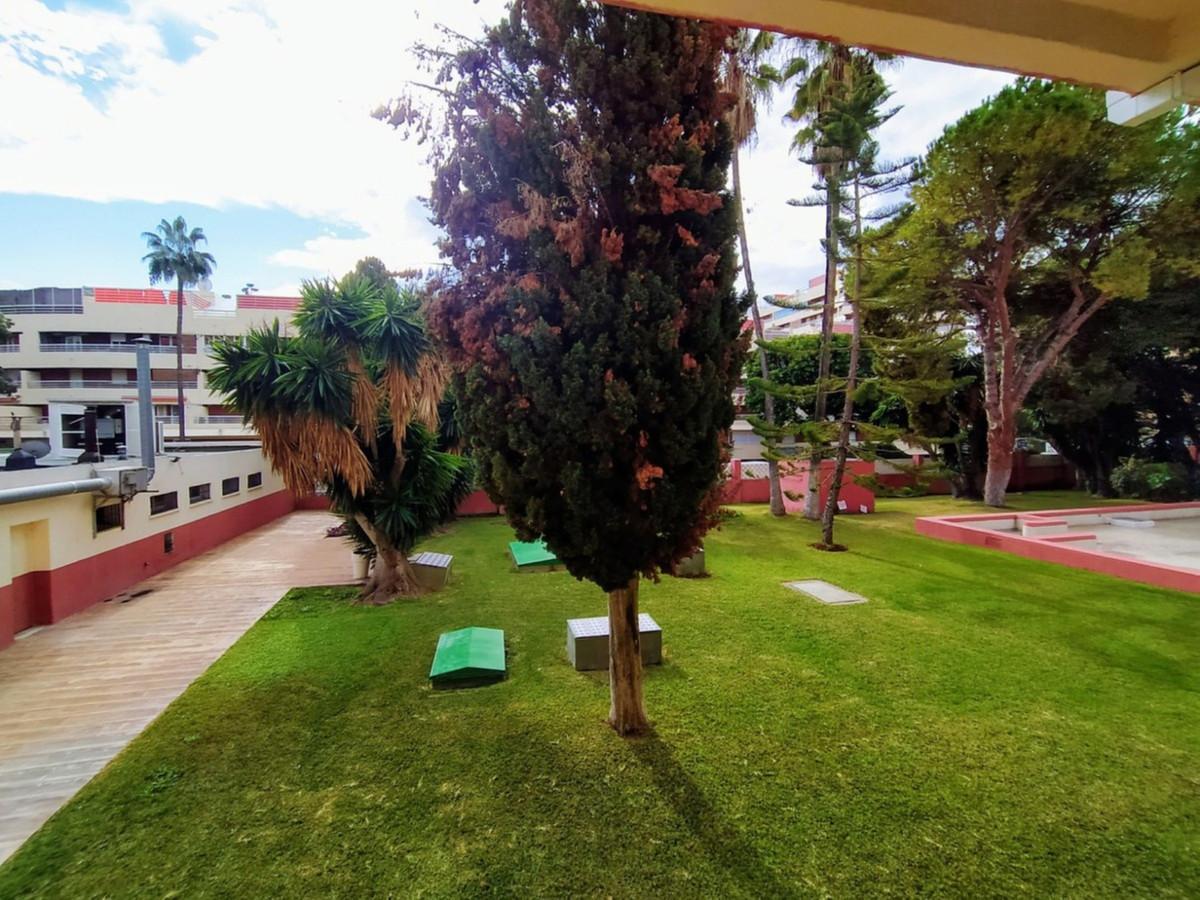 Marbella Banus Apartamento en Venta en Marbella – R3768907