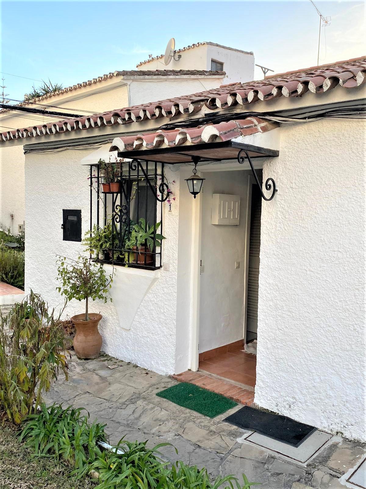 Adosado en Venta en Marbella – R3837712