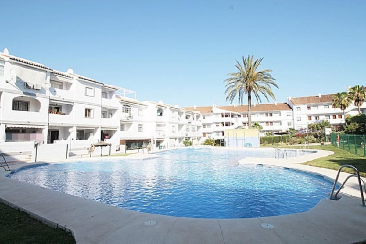Apartment  Ground Floor for sale   in Cerros del Aguila