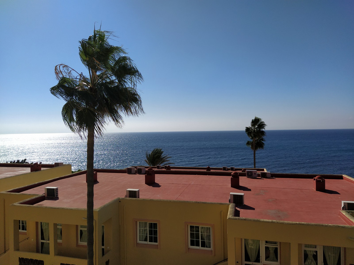 Nice and spacious 2 bedroom apartment (original was 3 bedrooms) with 2 bathrooms in the prestigious , Spain