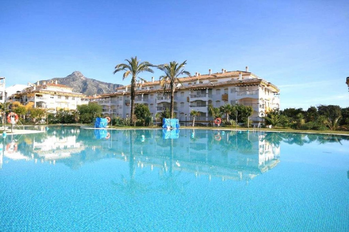 FANTASTIC PROPERTY NEXT TO PUERTO BANUS IN ONE OF THE MOST DEMANDED URBANIZATIONS Great top floor ap,Spain