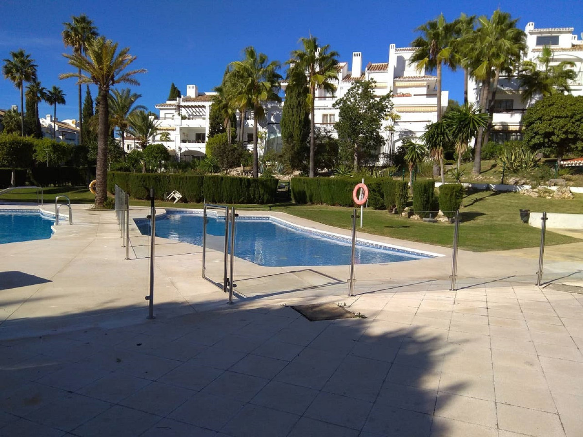 Beautiful apartment with two bedrooms, two bathrooms, (one en suite) American kitchen, furnished and, Spain