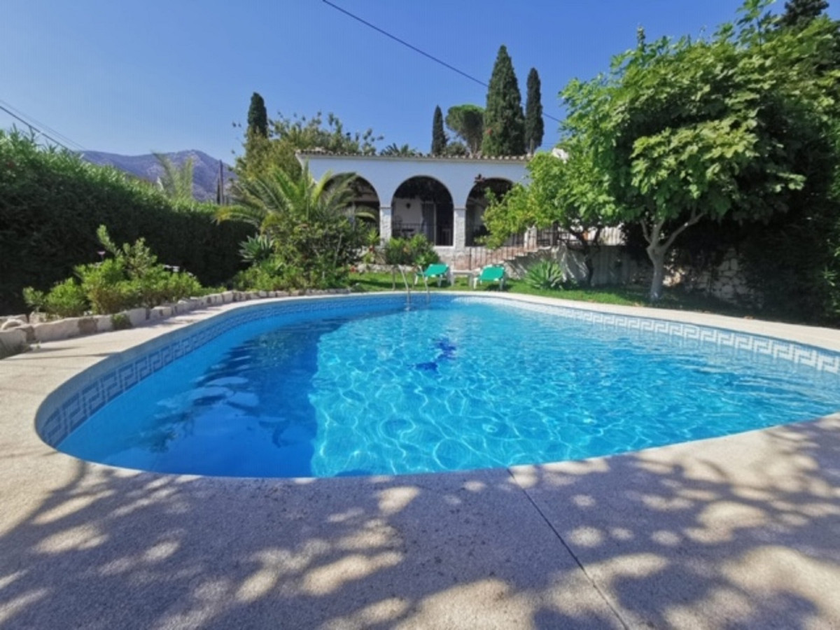 Beautiful villa in mijas pueblo, with a privileged location and incredible sea views. Built on one f,Spain