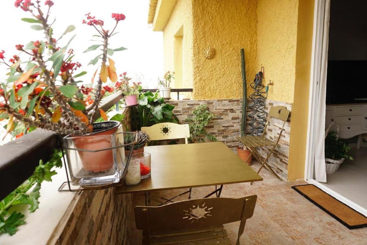 Marbella Banus Apartamento en Venta en Calahonda – R3833185