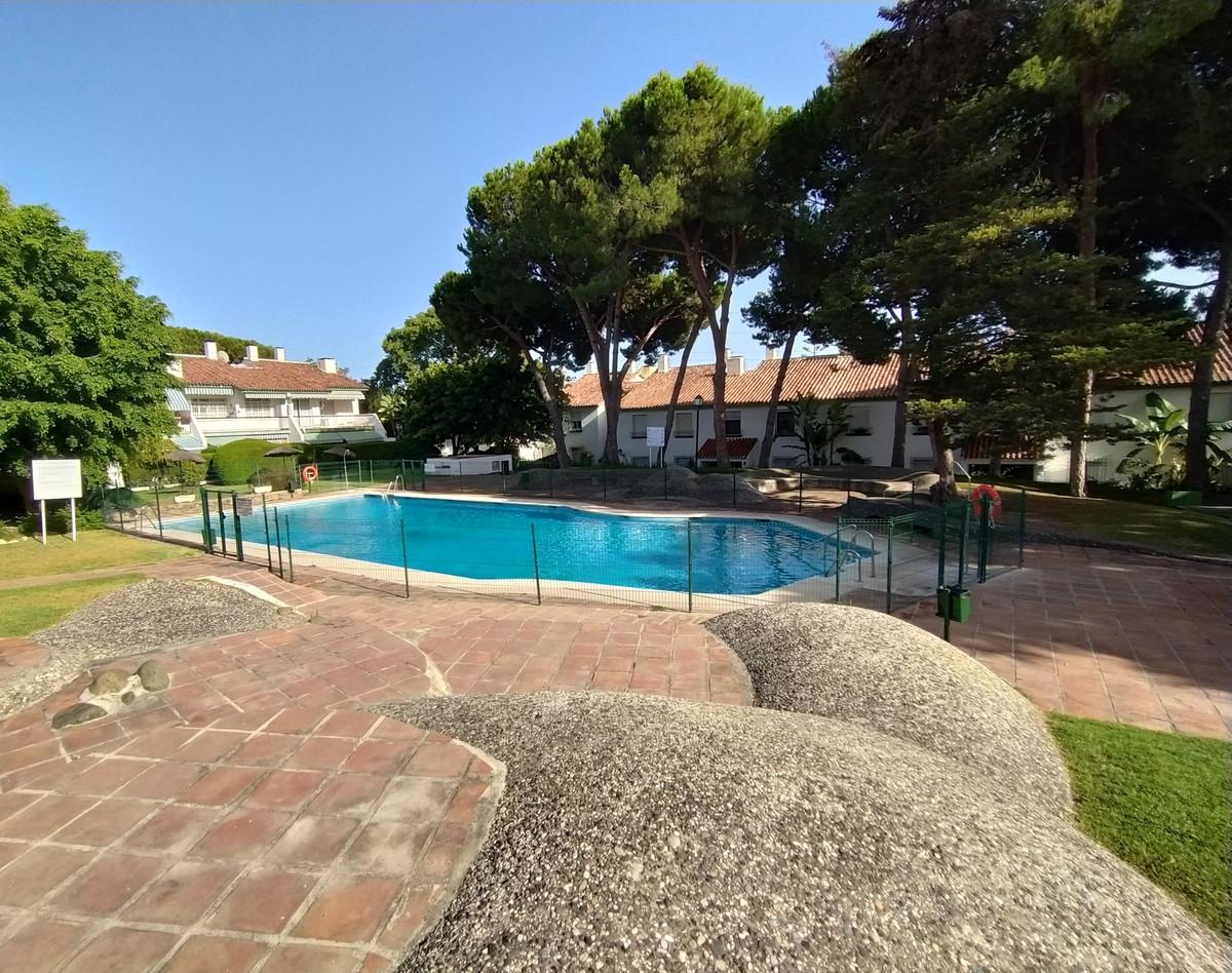 Marbella Banus Apartamento Planta Baja en Venta en Marbella – R3684629
