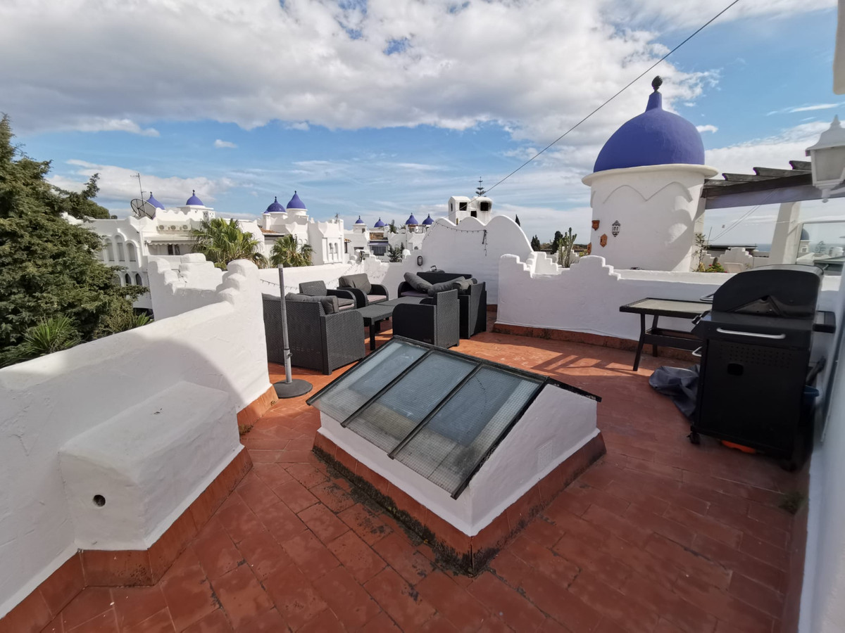 Fantastic duplex with three bedrooms, two bathrooms, open kitchen, furnished and equipped, living ro,Spain