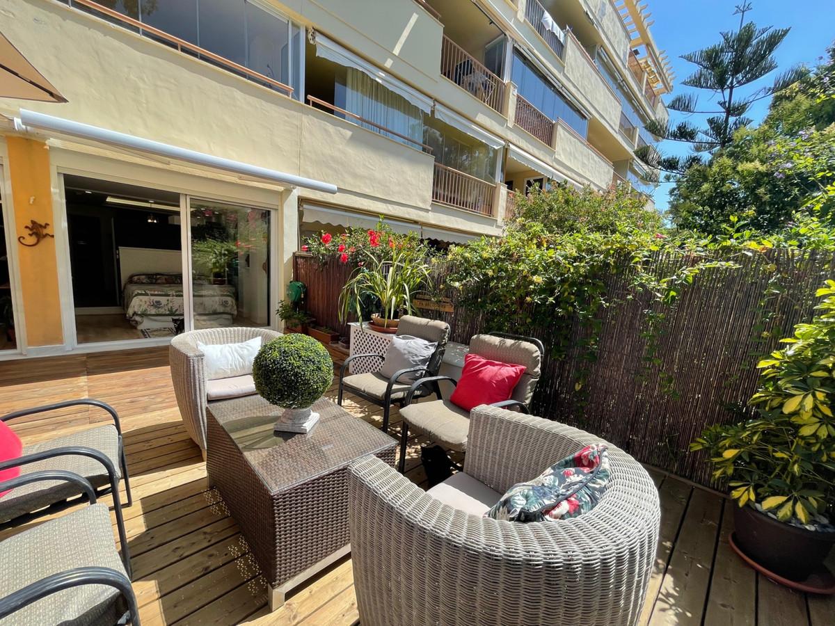 Apartamento en Venta en Calahonda – R3826900