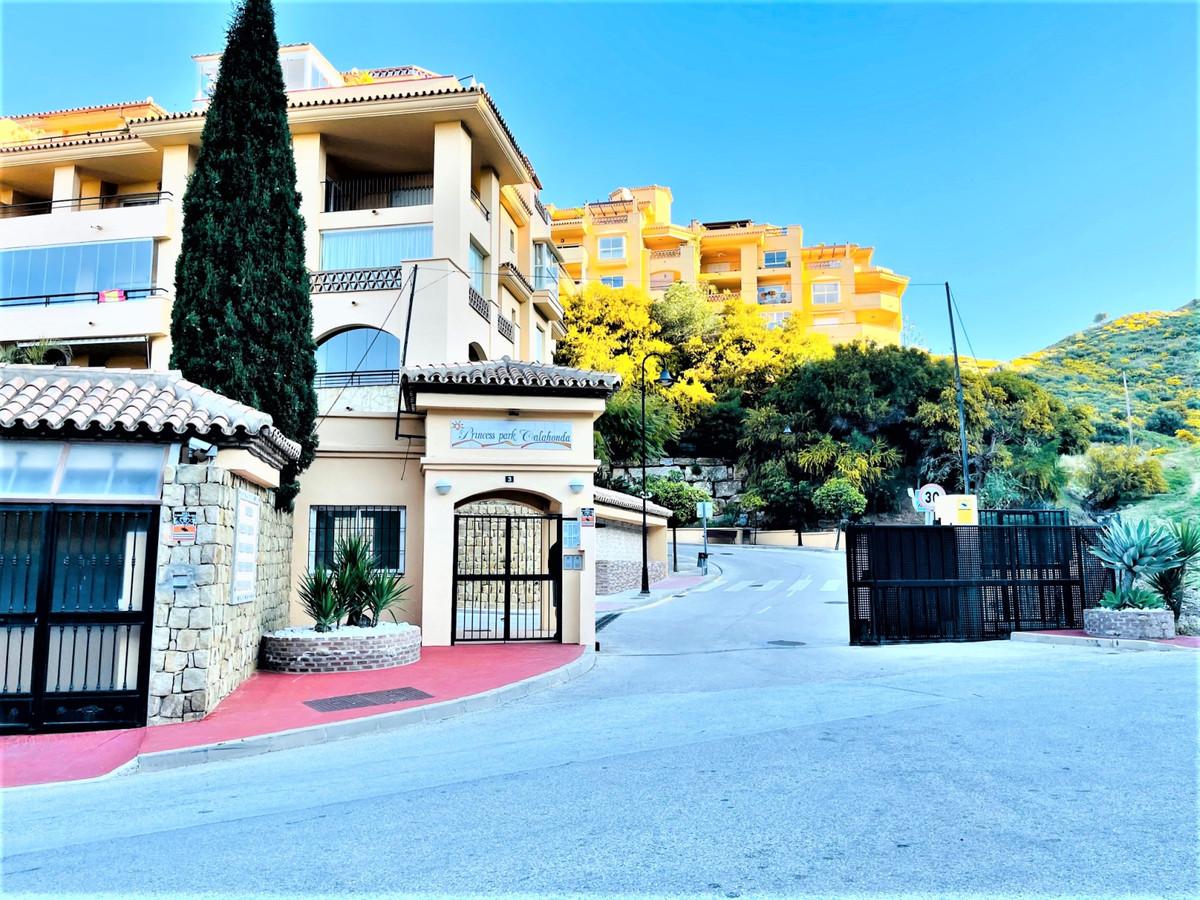 Apartamento en Venta en Calahonda – R3616769