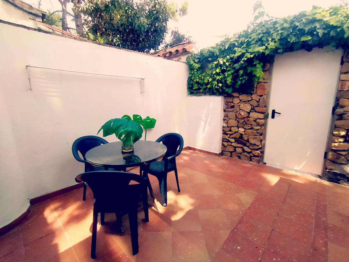 Marbella Banus Adosado en Venta en Las Chapas – R3859144