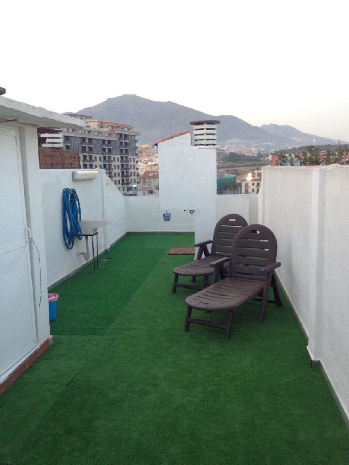 Fantastic penthouse with good location, large bedroom with terrace, bathroom, American kitchen, livi, Spain