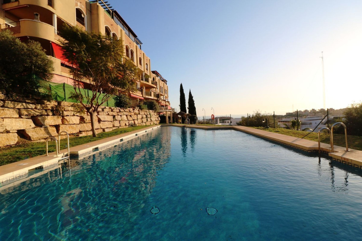 Spacious 2 bedroom apartment with fitted wardrobes and 2 full bathrooms with large private garden th,Spain