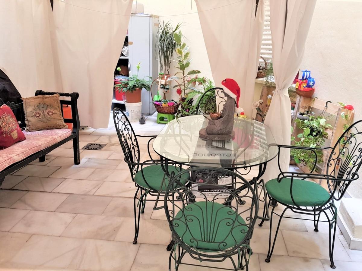 Marbella Banus Apartamento en Venta en Marbella – R3704687