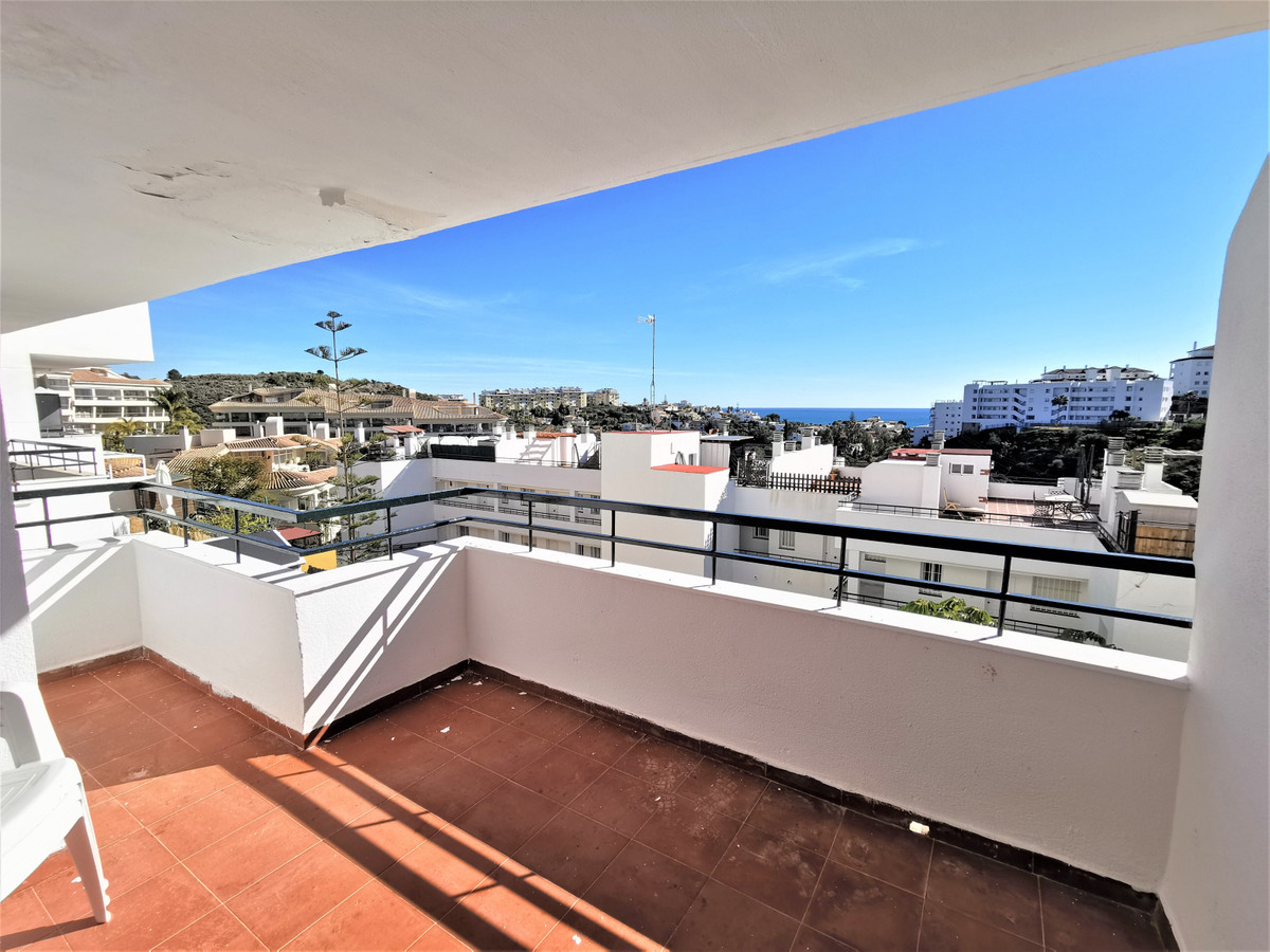 Apartment in Riviera del Sol area, two bedrooms, one bathroom, living room, American kitchen and sou,Spain