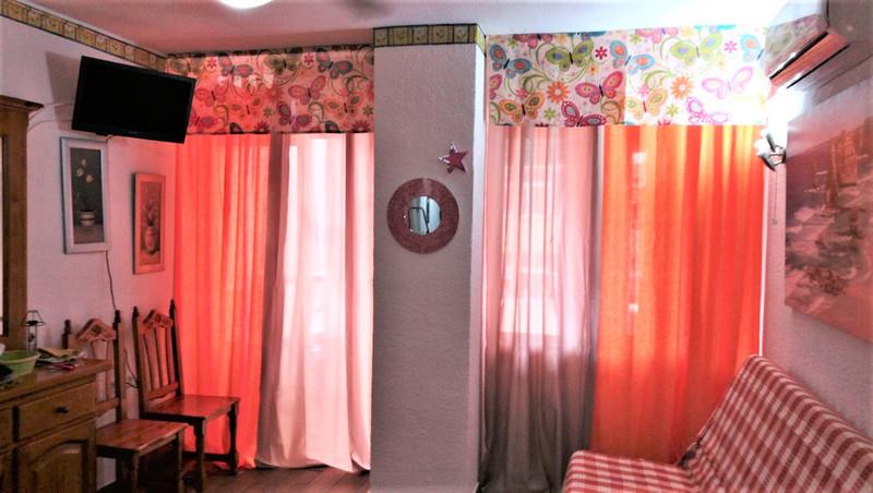 Middle Floor Studio in Torremolinos for sale