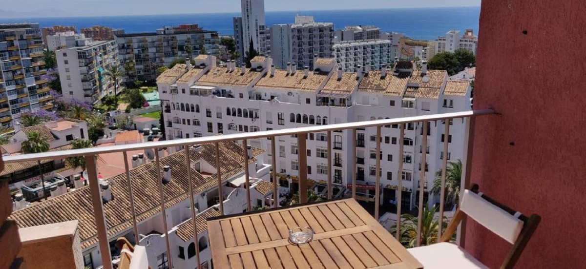 Magnificent studio completely renovated in 2020. All new appliances.  Ideal as an investment since i,Spain