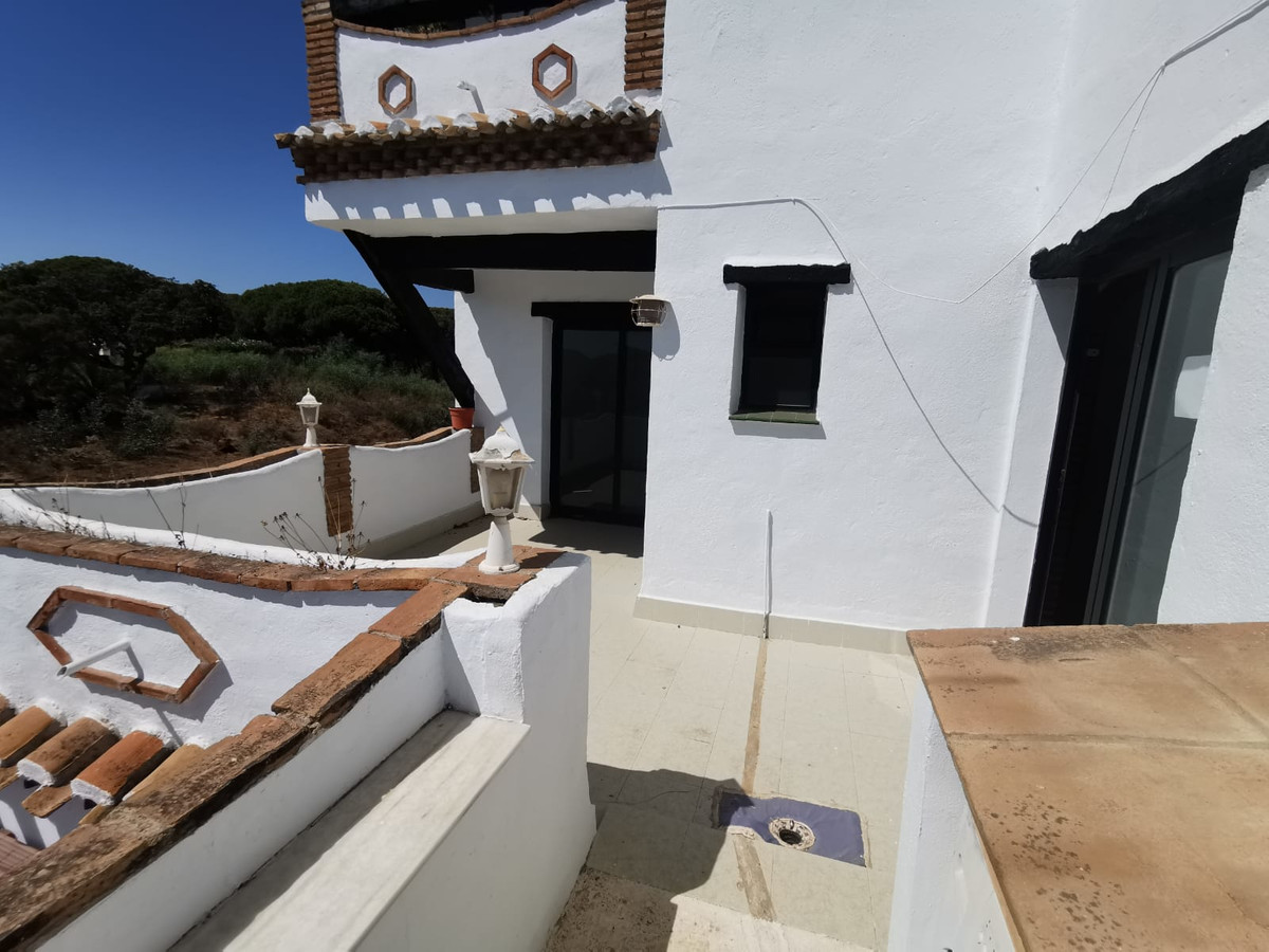 Beautiful and bright apartment 150 meters from the beach, with two swimming pools and close to every,Spain