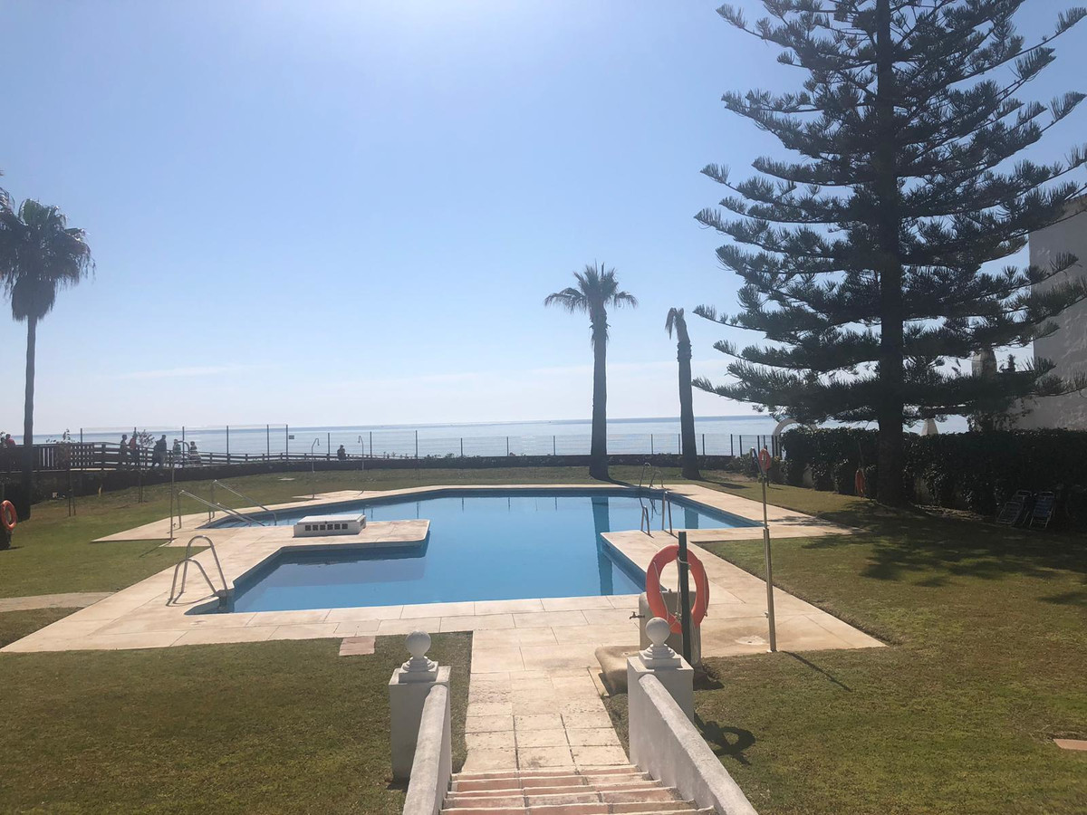Incredible duplex penthouse, facing the sea, with direct access to the beach, with stunning sea view, Spain