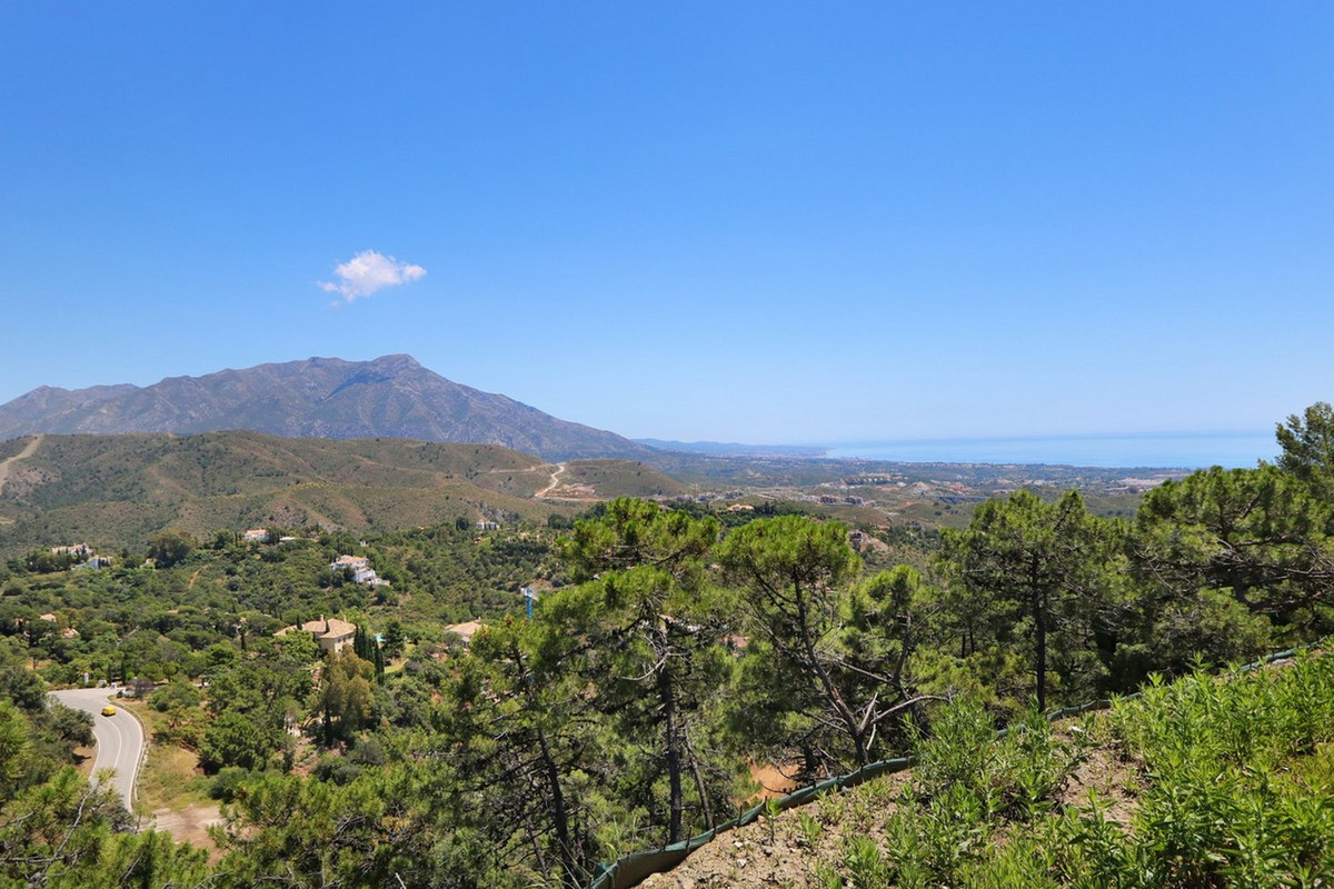 0 Bedroom Plot for sale La Zagaleta