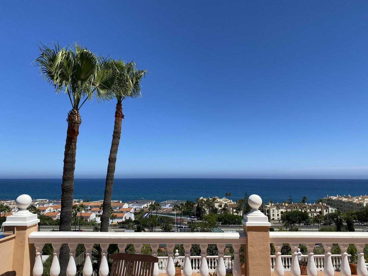 Detached Villa for sale in La Cala de Mijas R3870787