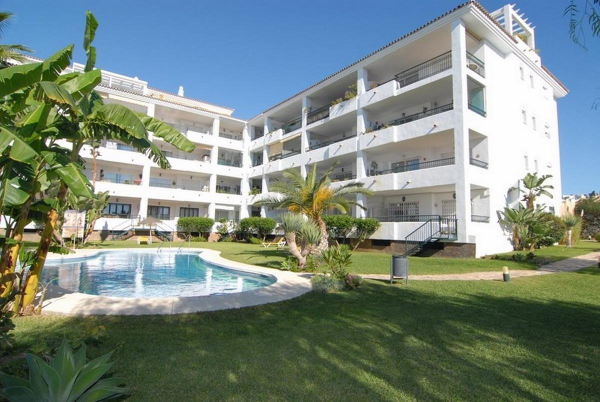 Marbella Banus Apartamento en Venta en Calahonda – R3726950