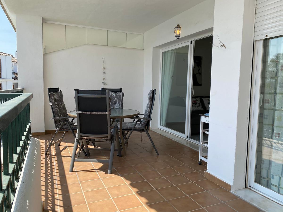 Apartamento en Venta en Calahonda – R3726950