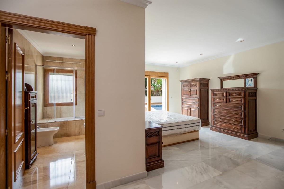 Villa – Chalet en Venta en Calahonda – R3613430