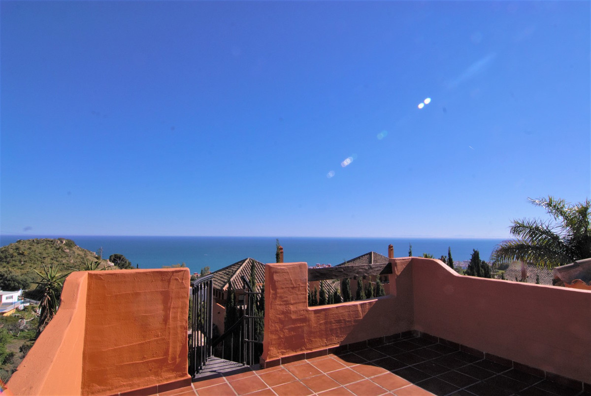 Amazing sea views from this villa next to La Capellania, luxury location with all amenities at the h, Spain