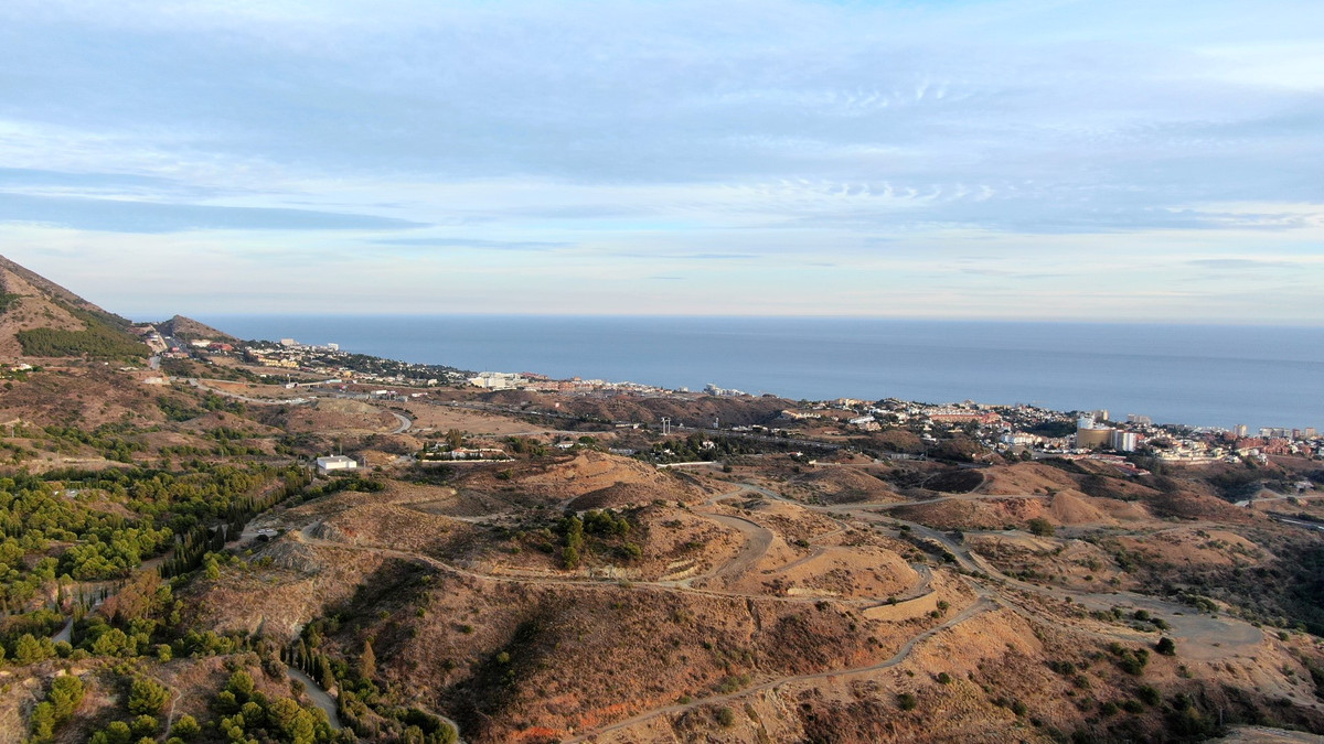 Plot located at Lomas de Mijas, at just 2 Km from Mijas Pueblo where you can find all type of servic,Spain