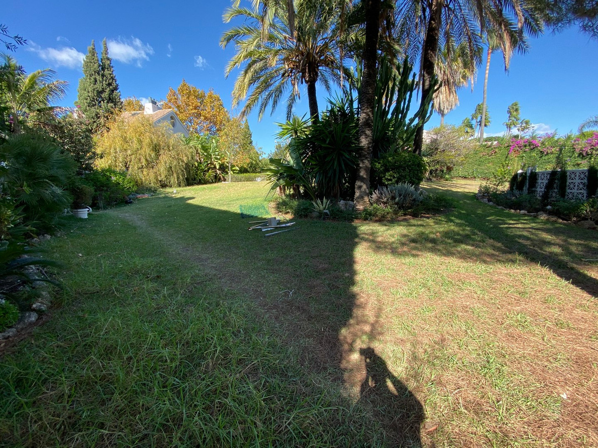 Plot of 1.005m2  in private street in the best area of Marbella, Guadalmina baja. Close to golf and ,Spain