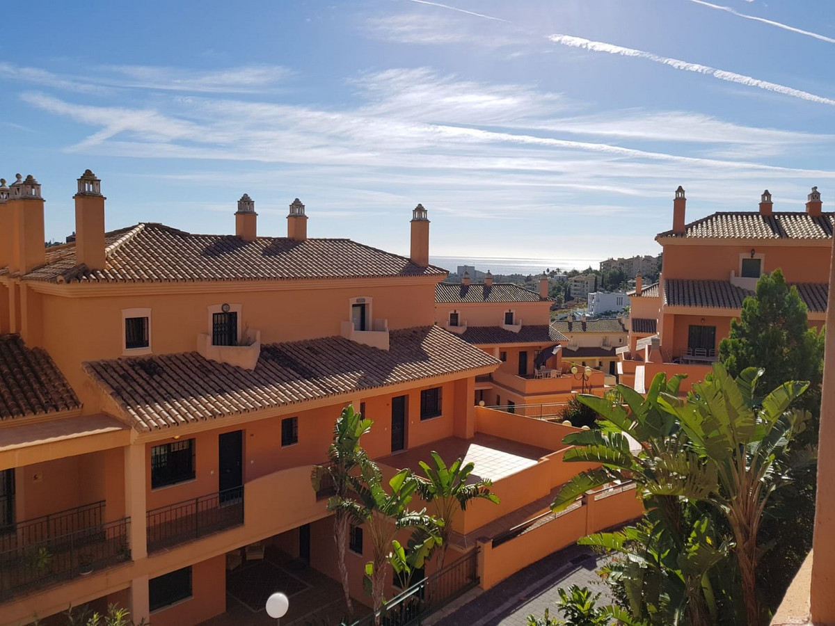 Apartment, Urbanization, Furnished, Fitted Kitchen, Parking: Underground, Communal Pool, Garden: Com, Spain