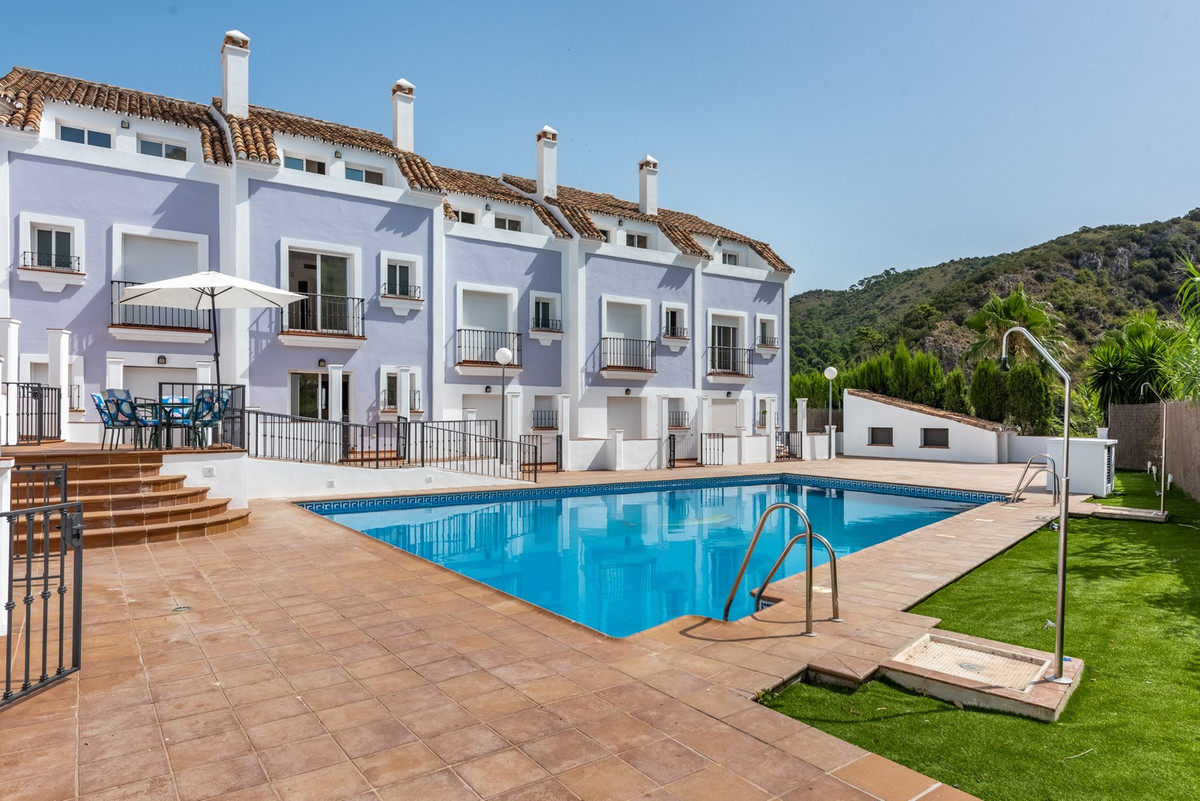 Interesting 10 Townhouse Complex in Benahavis Pueblo, with first occupation licence, Development wit,Spain